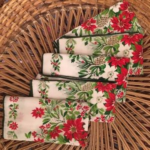 """Other - 5 Christmas cloth napkins - holly berries 17""""x17"""""""